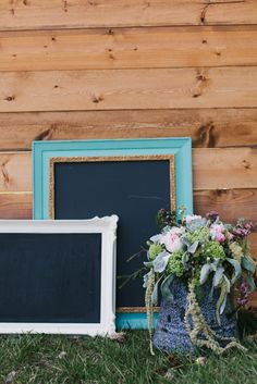 Creative Events Chalk Boards Photo: Taylor Hillier Photography Florals: Sara May Creative Blooms