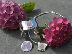 De hortensia verwerkt in de zilveren sieraden door Gea