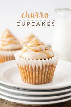 Churro Cupcakes + 13 Amazing Cupcake Recipes These delicious and decadent churro cupcakes are amazing! They're easy to make and perfect for any special occasion. Twix Cupcakes, Pina Colada Cupcakes, Oster Cupcakes, Cinnamon Cupcakes, Baking Cupcakes, Yummy Cupcakes, Lemon Cupcakes, Snowman Cupcakes, Holiday Cupcakes