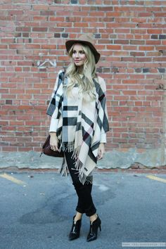 Outfit: The Perfect Autumn Style - Cape, Pointed Booties