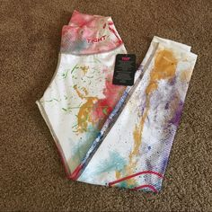 Print Leggings  One size fits all  (S - L) Perfect adherence to the body. Breathability and lightness. Anatomically shaped elongation. UV protection (UPF 50+). Excellent resistance to abrasion and peeling. Control strip. Control moisture. Quick dry. Stamped with strong colors that do not   show through.        Antibacterial. TGT Pants Leggings