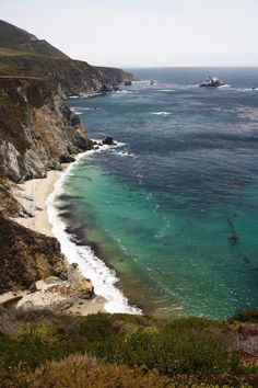 A view of the ocean from the Pacific Coast Highway in Northern California.