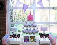 Such a cute Party idea for my little princess. Love the cupcake wraps!