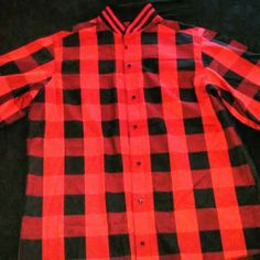 Short Sleeve Button Up Blk&Red
