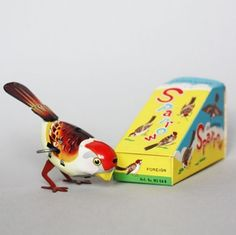 Vintage wind-up sparrow #toys #birds