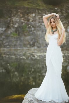 mermaid wedding gown // photo by Glass Jar Photography // http://ruffledblog.com/southwestern-meets-wes-anderson-inspiration