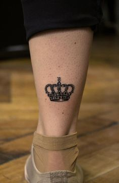 38a88af7a70bf This in my wrist would be perfect! Crown Tattoo On Wrist, Small Crown Tattoo