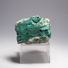 #Pseudomorph #minerals are minerals where an existing crystal is replaced by a different mineral - this means you end up with a mineral with the shape of a different one... Above is #malachite after #azurite from #Tsumeb #mine in #Namibia