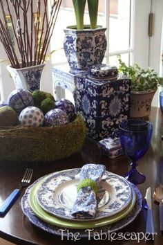 Blue & White table by the Tablescaper