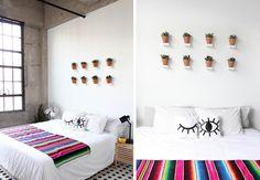 8 Tips para remodelar tu dormitorio con poco presupuesto Decoración con bajo presupuesto. suculentas. plantas. ideas decoración. dormitorio. cama