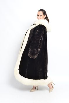LAMB FUR COAT WITH BLUE FOX AND HOOD Pelzmantel үслэг хүрэм kažoks шуба   eBay