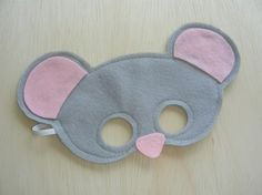 Comfortable soft hand made felt mask for children. approx 2-8 years    Having a mouse themed party? Or just know a child who enjoys playing dress up, this