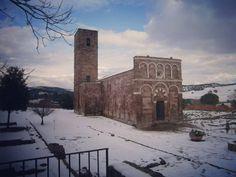 Sardinia landscape: Sempre ricordando la nevicata di 4 anni fa ecco la #chiesa di Nostra Signora di Tergu #neve #sardegnageographic #sardegna #montagna #mountains #mountain #escursionismo #treking #trekking #hiking #outdoor #outdoors #outdoorliving #explore #exploring #sardinia #sardinie #sardinien #cerdeña #landscape #sardinialandscape #sardegna_super_pics #italy #italia #sky #igw_skyline #sardegnaofficial #lanuovasardegna #volgosardegna - via http://ift.tt/1zN1qff e #traveloffers #holiday…