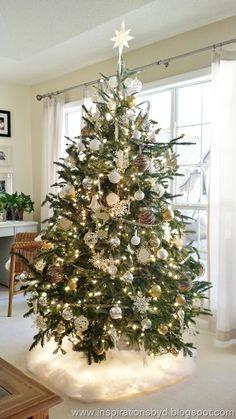 Christmas Home 2014 Pottery Barn Christmas, Cosy Christmas, Silver Christmas Tree, Ribbon On Christmas Tree, Beautiful Christmas Trees, Christmas Tree Themes, Christmas Tree Toppers, Xmas Tree, Christmas Colors