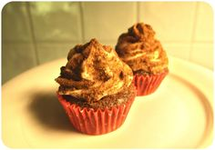 Bite Size Chocolate Cupcakes. Chocolate Cupcakes, Bite Size, Dumb And Dumber, Muffin, Sugar, Lady, Breakfast, Desserts, Recipes