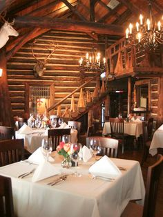 One of our more quaint restaurants, Snow, is where Mr. Walters will be dining tonight. I'm sure they will enjoy. Houston Date Ideas, Restaurant Week, Restaurant Interiors, Restaurant Pictures, Houston Restaurants, Booth Seating, Cozy Fireplace, Cold Day, Rainbow