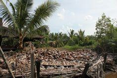 Salah satu Langkau milik warga di Desa Tanjung Labuh.
