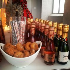 Inspiration for my donut and mimosa party! Holiday Themes, Holiday Parties, Mimosa Party, Diamond Party, Bachelorette Invitations, Champagne Party, Party Entertainment, Party Planning, Party Time