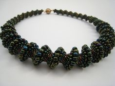 Perlengefädelte Halskette CelliniSpirale Glasperlen von BeadFizz