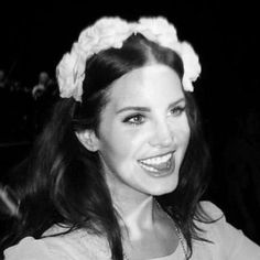 Ride Lana Del Rey, Lana Del Ray, Pretty People, Beautiful People, Beautiful Smile, Elizabeth Grant, Iconic Women, Laksa, Mode Outfits