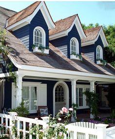 Cedar Shingle Siding Bronze And Copper White And Black Windows Round Windows House Exterior