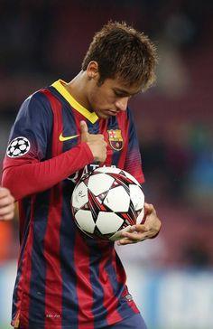 He got skills Neymar Jr, Neymar Football, Brazilian Soccer Players, Good Soccer Players, Football Players, Fc Barcelona, Barcelona Soccer, Soccer Pictures, Most Popular Sports