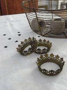 Coroncine...very little crowns