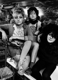 The Slits in Ari's flat, West London, 1979. Photo by Adrian Boot. (x)