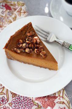 Gluten-free vegan pumpkin pie with praline and coconut-pecan crust