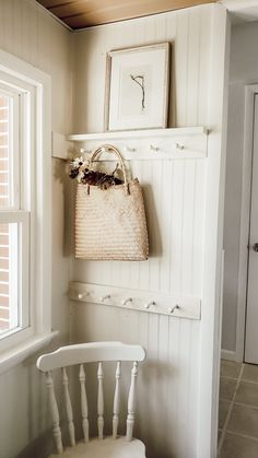 Peg rail adds the perfect cottage farmhouse to any space. It combines beauty and function for the perfect combination to most rooms. Shabby Chic Farmhouse, Country Farmhouse Decor, Modern Farmhouse Style, Farmhouse Furniture, Furniture Decor, Cottage Farmhouse, Modern Colonial, Cottage Hallway, Cottage Style Mudroom