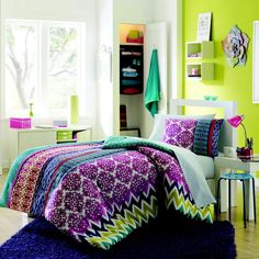 Colorful Bed Spread! http://www.studentrate.com/School/Deals/BackToSchool.aspx