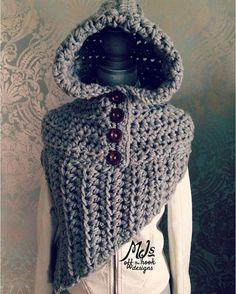 """""""This Bulky Hooded Katniss Cowl is so unique and cozy and it's another pattern that could be won in my Facebook giveaway! #crochet #giveaway #hood…"""""""