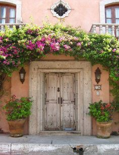 Provence ~ France - if it looks this good from the outside, wonder what the inside looks like?