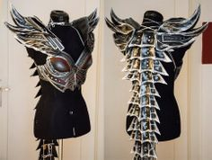 Kamui Cosplay always wanted to make a Skyrim costume but was concerned about having too much armor to fit in her suitcase. And yes, that is a valid concern when you're traveling to convention… Costume Tutorial, Cosplay Tutorial, Cosplay Diy, Female Cosplay, Anime Cosplay, Daedric Armor, Costume Armour, Armadura Medieval, Pauldron