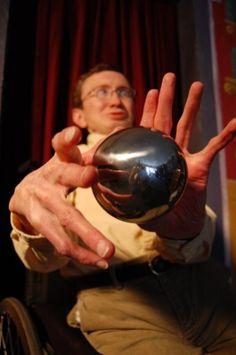 Boone Has a Ball Doing Magic!