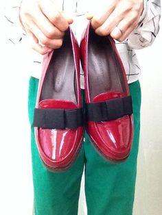 綺麗な赤とリボン あいや! と一目惚れしました^ - ^ 最近はこの靴中心のコーディネートにはまってます(*^^*) #BUYat2ndSTREET http://campaign.2ndstreet.jp/gallery/