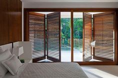 Residencia Vaz 478 is a stunning modern beach retreat designed by Patricia Bergantin Arquiterura, surrounded by native bush in Iporanga, São Paulo, Brazil. Door Design, House Design, Interior Architecture, Interior Design, Contemporary Style Homes, Wooden Doors, Bungalow, New Homes, Furniture