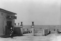 Για μπάνιο στο Ντοβίλ. Καλαμαριά, αρχές της δεκαετίας του 1960