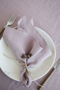 Dusty Pink Linen Napkins- Dusty Pink Linen Napkins Add a touch of elegance to your tablescape with pure stonewashed linens in dusty pink. Matching tablecloths, runners and placemats available! Linen Tablecloth, Linen Napkins, Cloth Napkins, Napkins Set, Table Linens, Rustic Napkins, Tablecloths, Wedding Napkin Folding, Diy Wedding Napkins
