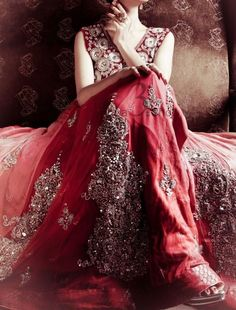 Here are the latest Top Asian fashion Bridal wedding dresses & gowns including Pakistani, Indian, Bangladeshi trends. It contains best best gown styles & designs! Indian Dresses, Indian Outfits, Beautiful Indian Brides, Beautiful Bride, Glamour, Indian Couture, Indian Bridal, Indian Fashion, Ethnic Fashion