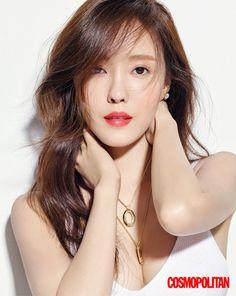 Check out T-ara HyoMin's hot picture from Cosmopolitan magazine ~ T-ara World ~ 티아라