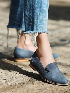 Free People X Farylrobin Vegan Eddie Loafer Sz 7 In Grey ~ New In Box ~ Flats. Get the must-have flats of this season! These Free People X Farylrobin Vegan Eddie Loafer Sz 7 In Grey ~ New In Box ~ Flats are a top 10 member favorite on Tradesy. Save on yours before they're sold out!