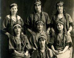 -Camp-Fire-Girls-1915