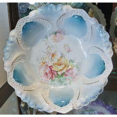 RS Prussia Bowl Antique Porcelain 1900s Victorian Art Nouveau Bowl... ($199) ❤ liked on Polyvore featuring home, home decor, porcelain bowl, honeycomb bowl and berry bowl