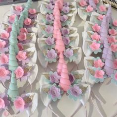 Unicorn party season is here. I love these unicorn party headbands. A great idea for party favours! Imagine 20+ mini unicorn running around overloaded on sugar!!!!!