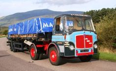 AEC Mandator Vintage Trucks, Old Trucks, Classic Trucks, Classic Cars, Old Lorries, Van Car, Semi Trailer, Heavy Machinery, Commercial Vehicle