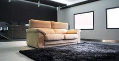 Respaldos multiposición con 3 puntos de fijación, asientos extraíbles 35 cm. con 3 puntos de fijación, chaiselongue con arcón, almohada de brazo, ... Sin duda alguna con este sofá darás en la diana! Elige la medida que mejor se adapte a tu salón, la tela que más te guste y prepárate para disfrutar. info@soffing.com