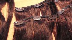 Melmovie fait une review sur nos extensions à clips en cheveux naturels. Elle à commander l' extension à clip #4 de 50 cm de long brun chocolat.  Ce type d'extension de cheveux est facile à poser et à retirer. Il n'abîme pas vos cheveux et s'enlève facilement. Vous pouvez porter vos clips pour des événements, sortie, mariage, coiffures spéciales,...ou simplement tout les jours. Pour avoir plus d'infos sur nos extensions à clips cliquez-ici : extensions à clips d'extens-hair
