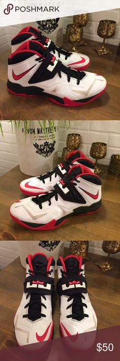 766c20e99261 Nike Zoom Soldier VII Lebron 2014 White Red Black 2014 Nike Zoom Soldier  VII 7 Lebron James Style - Size - US Mens 10 Color - White Red Black  Excellent ...
