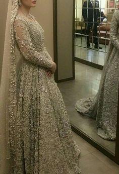 The groom in mirror Indian Bridal Lehenga, Pakistani Wedding Dresses, Pakistani Outfits, Indian Dresses, Indian Outfits, Asian Bridal Wear, Walima Dress, Bridal Outfits, Bridal Style